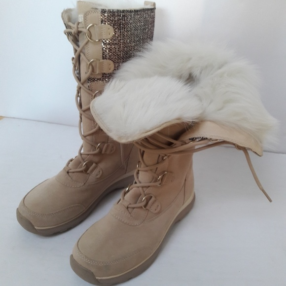 8313c9c2d07 SALE!!! New UGG Atlason Frill boots Size 9 NWT